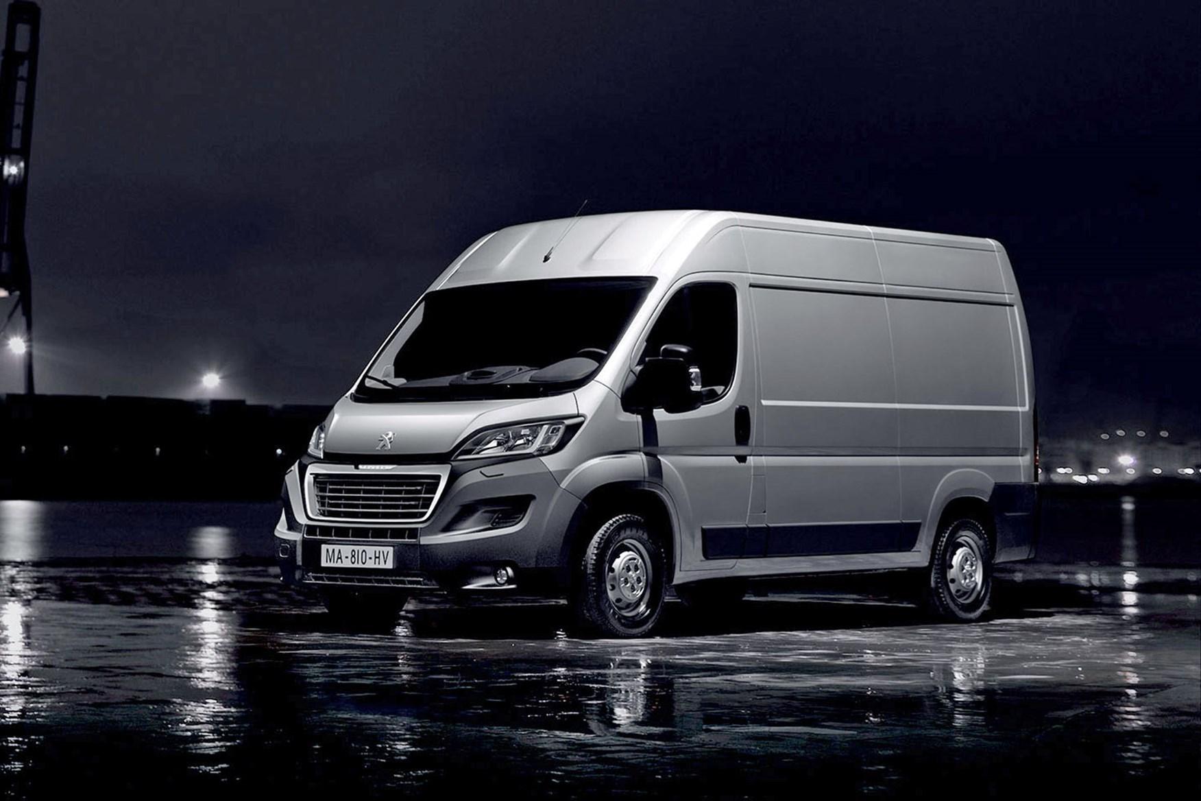 204807f16c ... Peugeot Boxer - best large 3.5t vans for payload ...