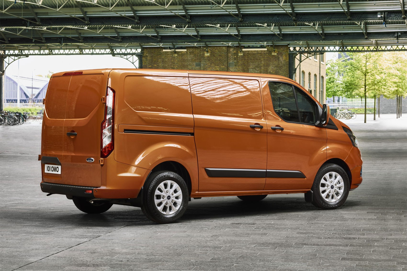 Ford Tourneo Custom minibus: technical specifications, reviews 15