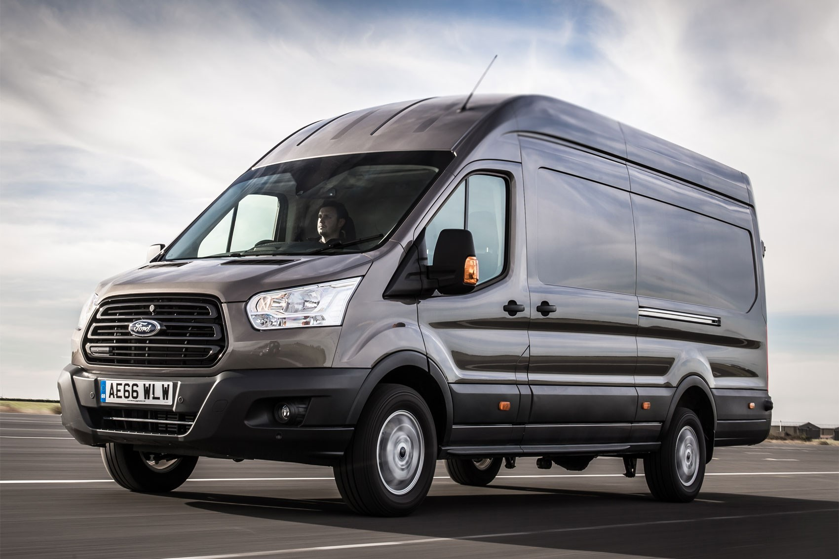 Ford Transit Towing Capacity >> The Best Vans For Towing Parkers