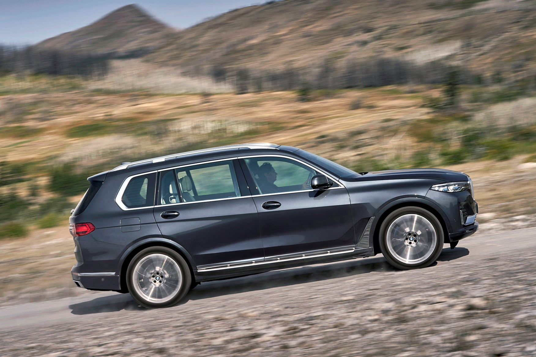 Bmw X7 Suv Early Drive Review Parkers
