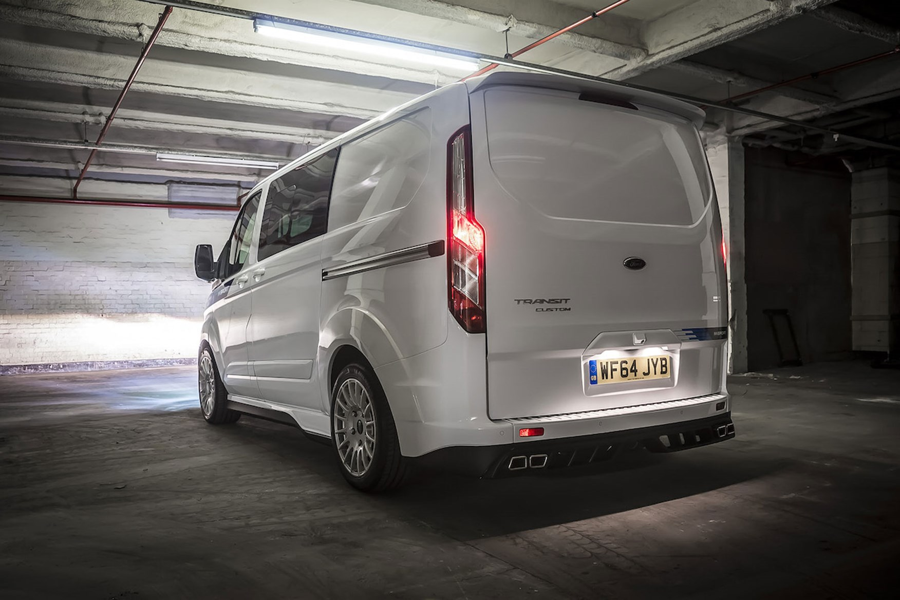 ford transit custom m sport review parkers. Black Bedroom Furniture Sets. Home Design Ideas