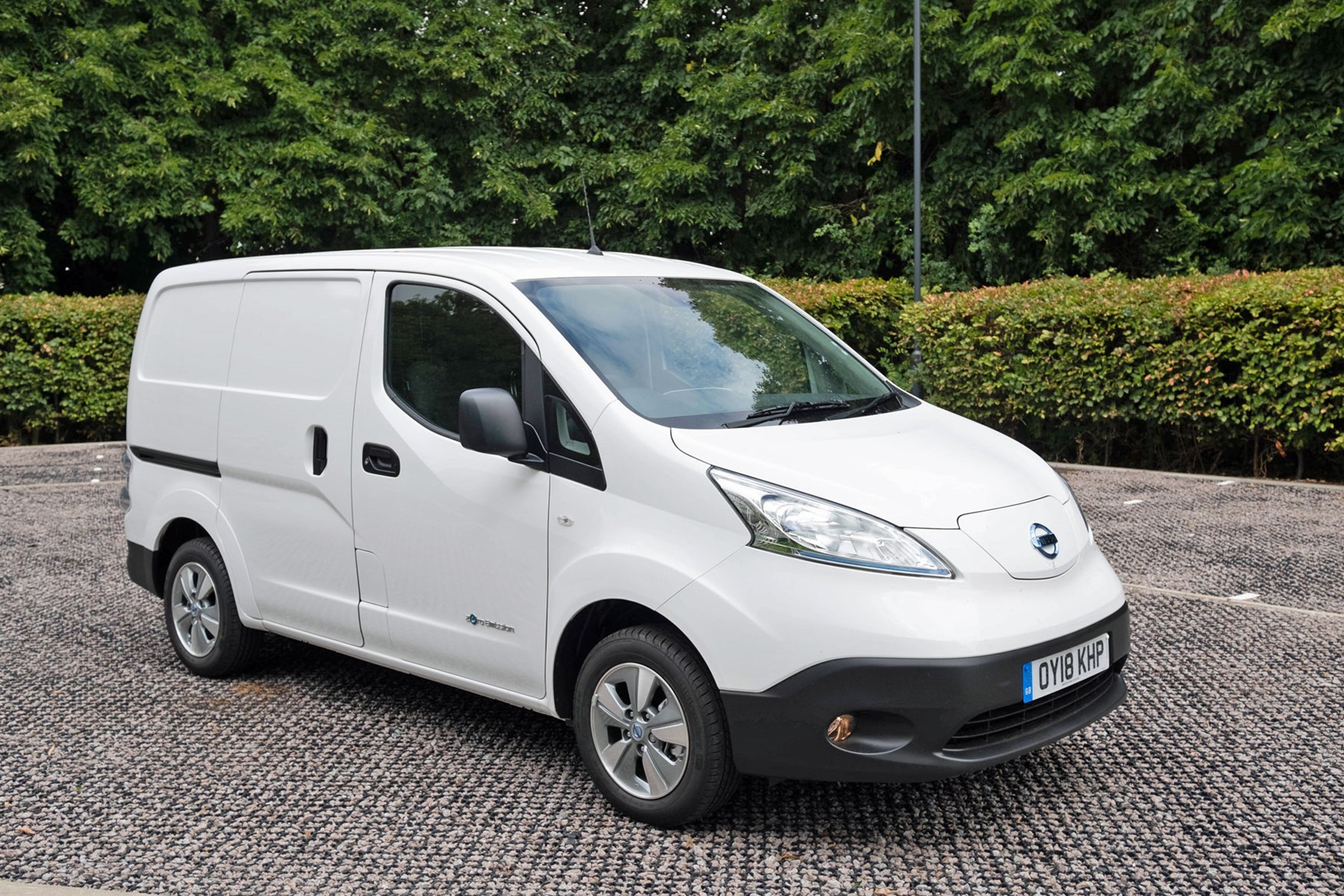 Nissan e-NV200 2018 electric van review - 60% more driving range