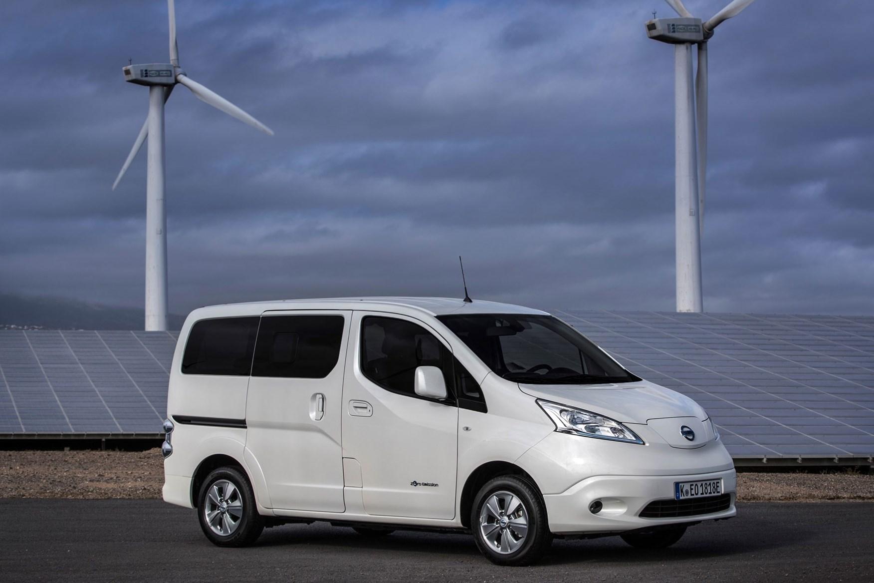 Nissan e-NV200 2018 electric van review - 60% more driving range ...