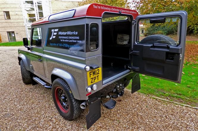 Review: JE Engineering Land Rover Defender with automatic gearbox
