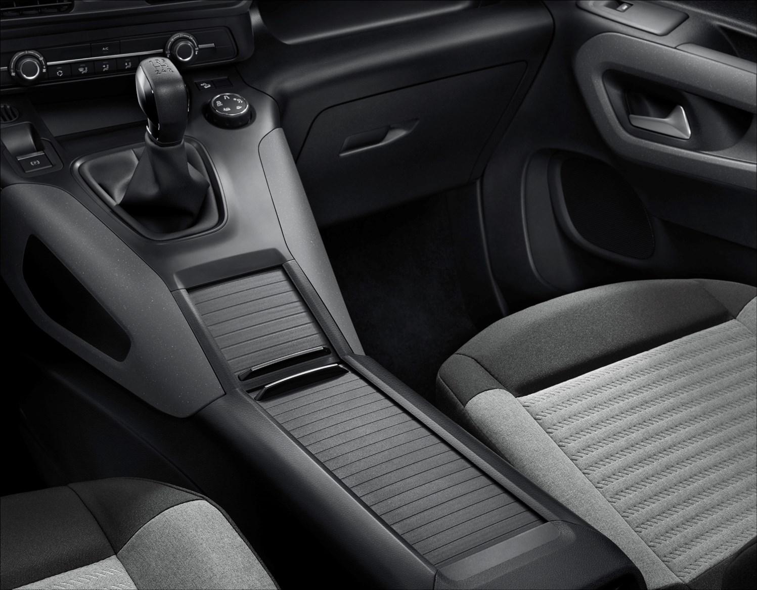 Citroen Berlingo Mpv Review Driving Parkers Fuse Box For Sale Interior Detail