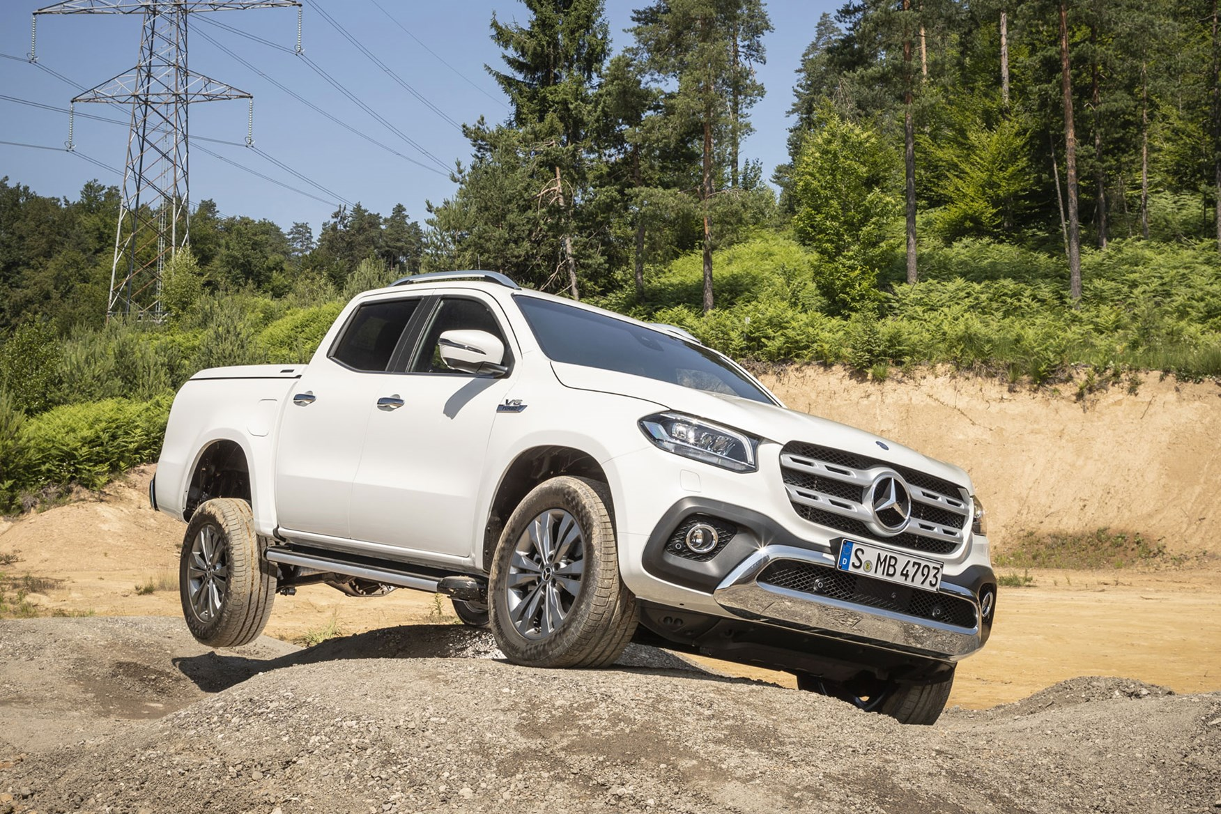 mercedes x class x 350 d power 2018 review 3 0 litre v6 turbo driven at last parkers. Black Bedroom Furniture Sets. Home Design Ideas
