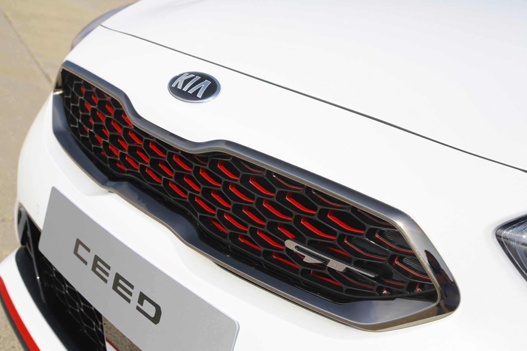 Kia Ceed Hatchback Review Features Safety And Practicality Parkers Wiring Diagram Carens Gt Front Grille