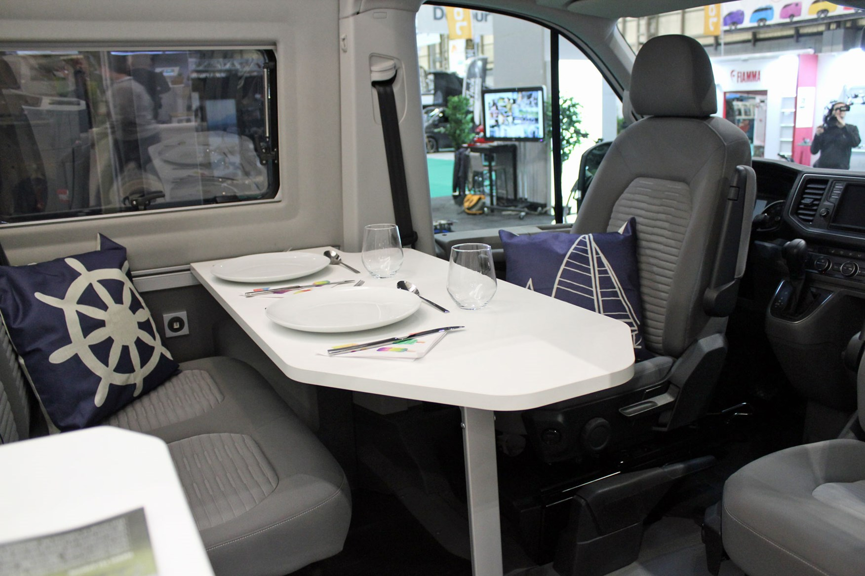 Excellent Volkswagen Grand California Campervan Makes Uk Debut Full Squirreltailoven Fun Painted Chair Ideas Images Squirreltailovenorg