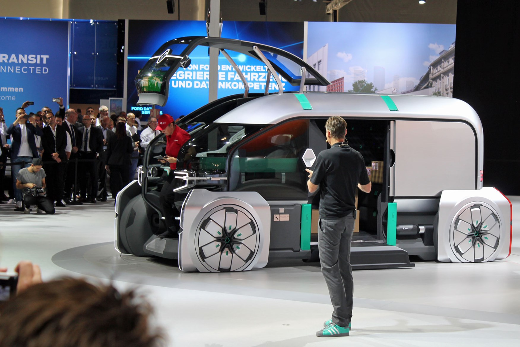 iaa commercial vehicles show    latest van  pickup news parkers