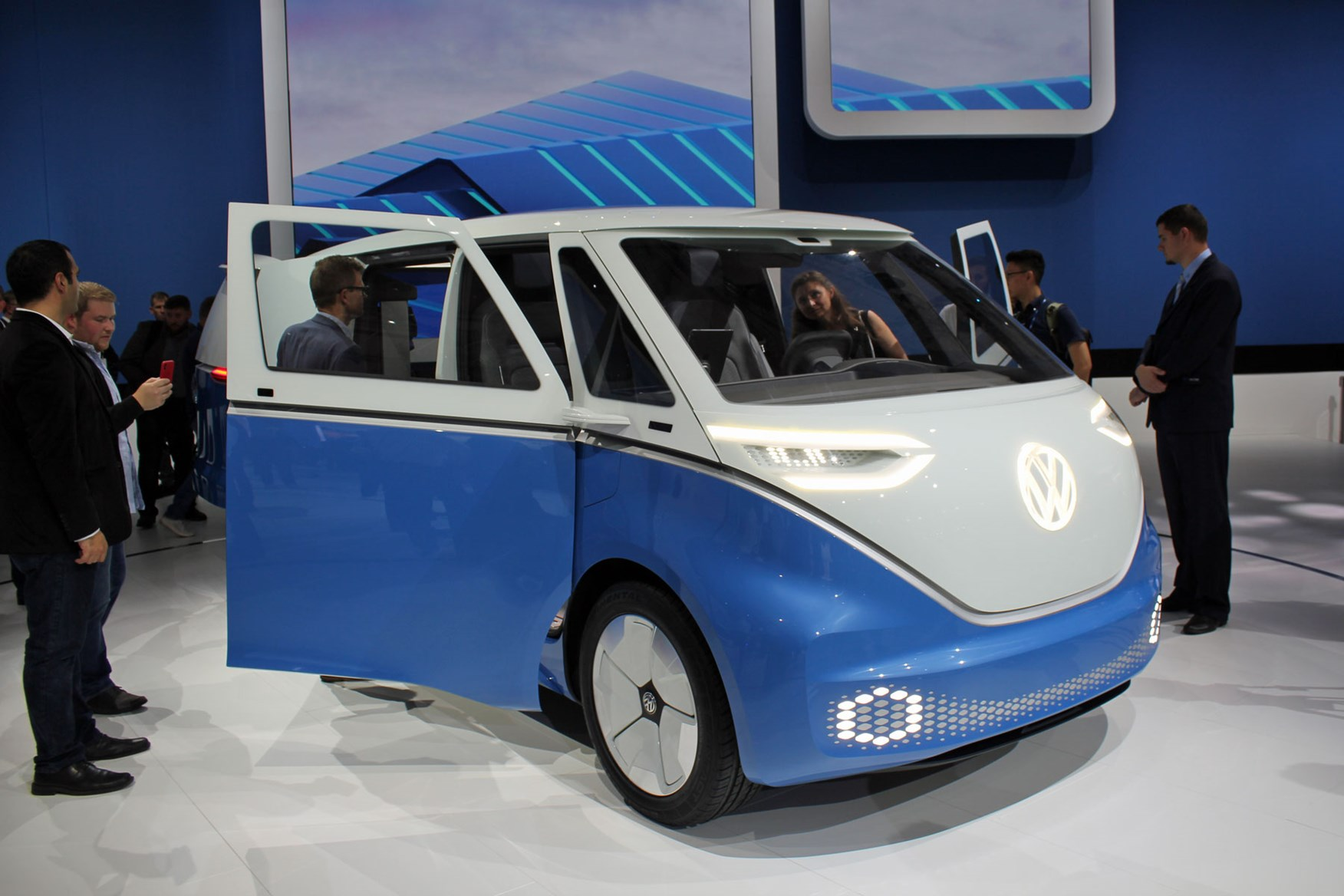 Vw Id Buzz Cargo All Electric Van Concept World Debut At
