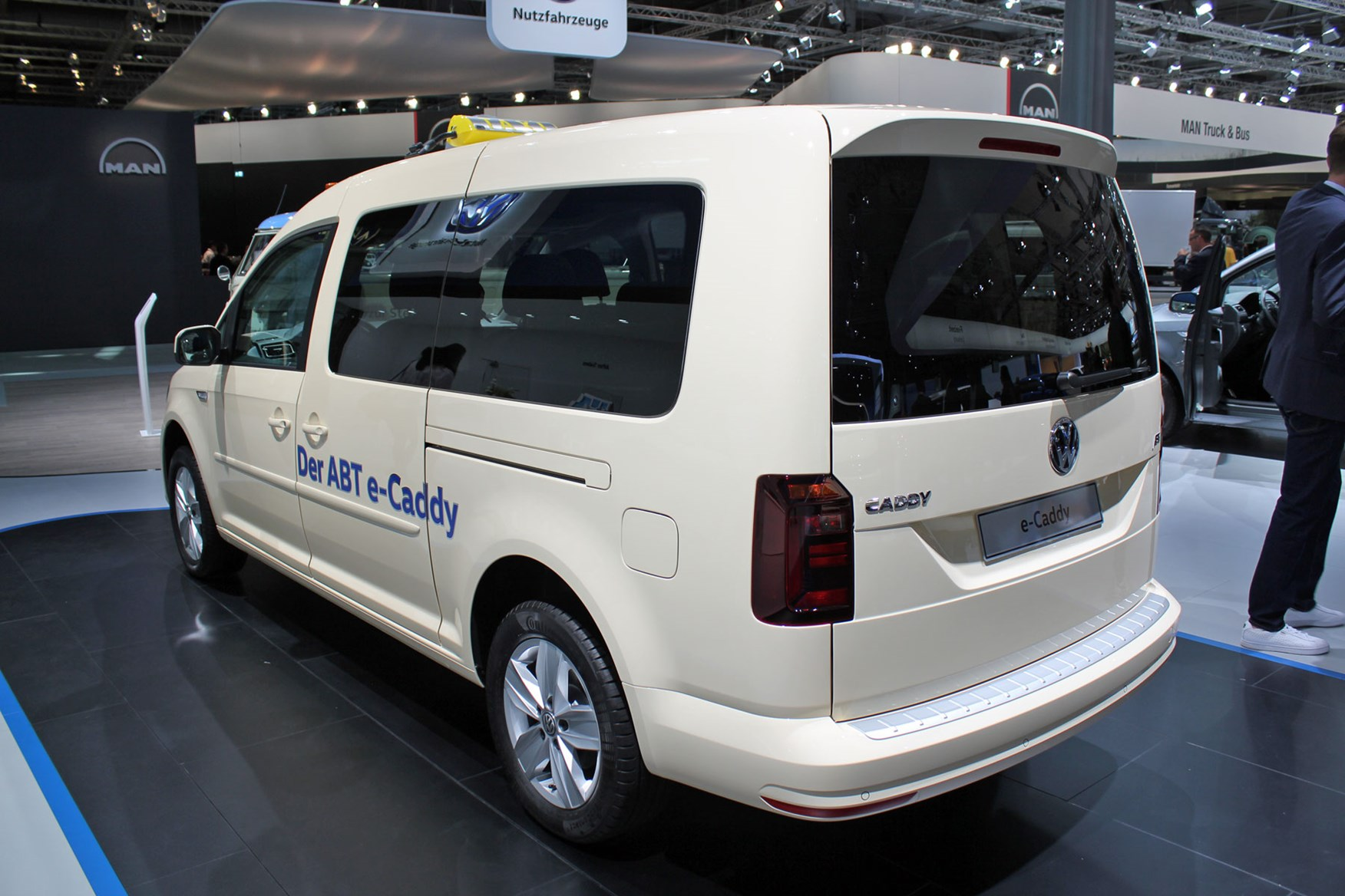 Vw E Transporter And E Caddy Electric Vans Uk On Sale Info