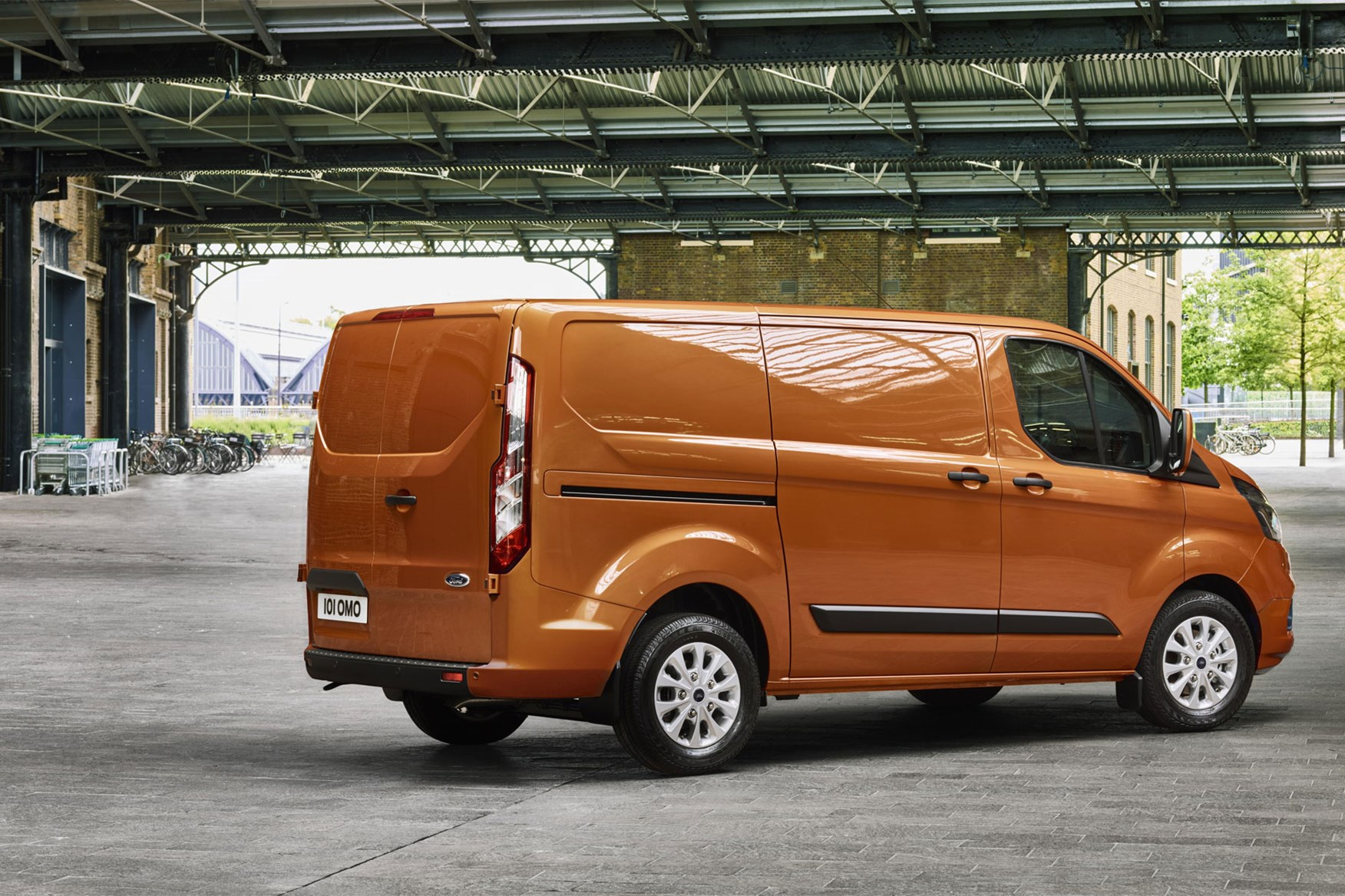 14707bcdad ... Ford Transit Custom fails to make list of top 10 most reliable vans  again ...