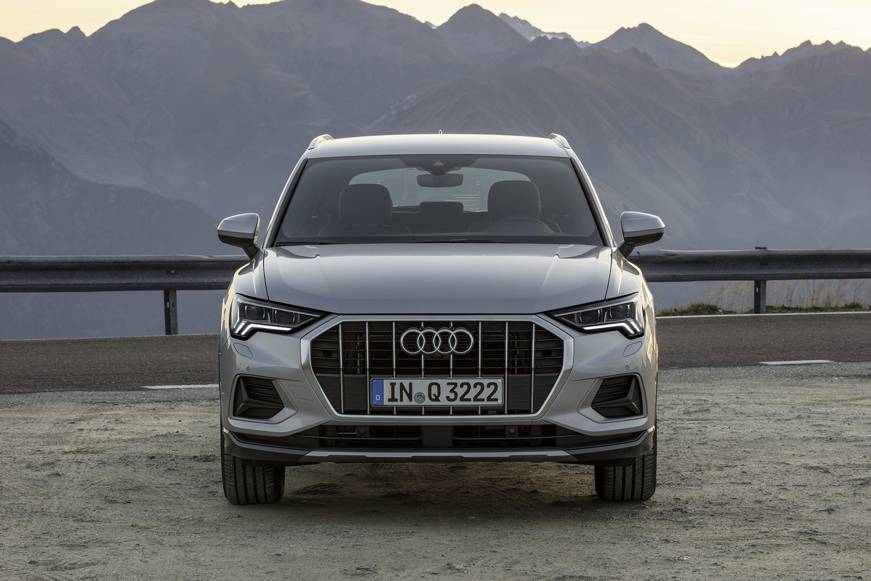 Audi Q3 Suv 2018 Features Equipment And Accessories Parkers