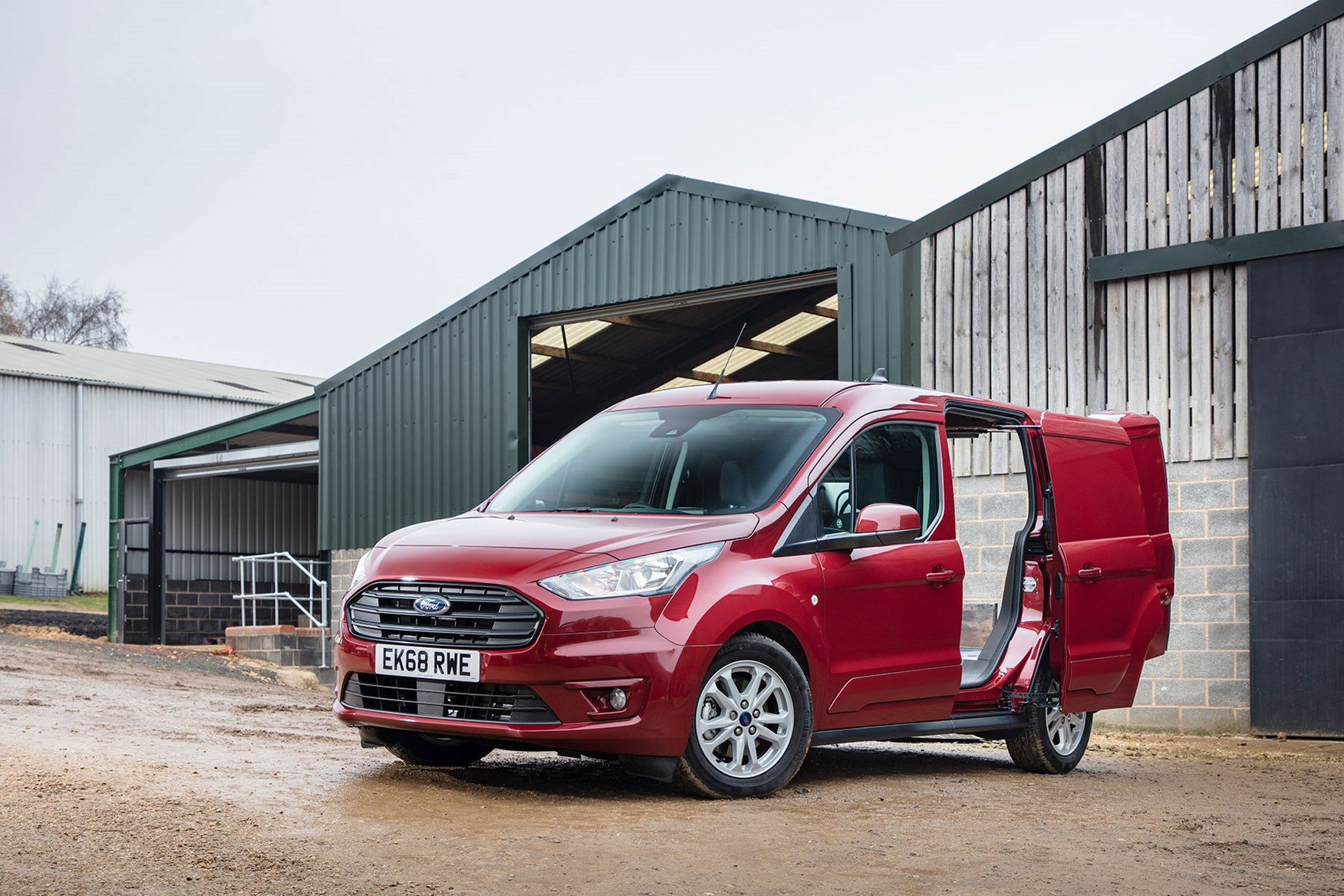 0f6f6b039f ... UK s bestselling van  Ford Transit Custom ...