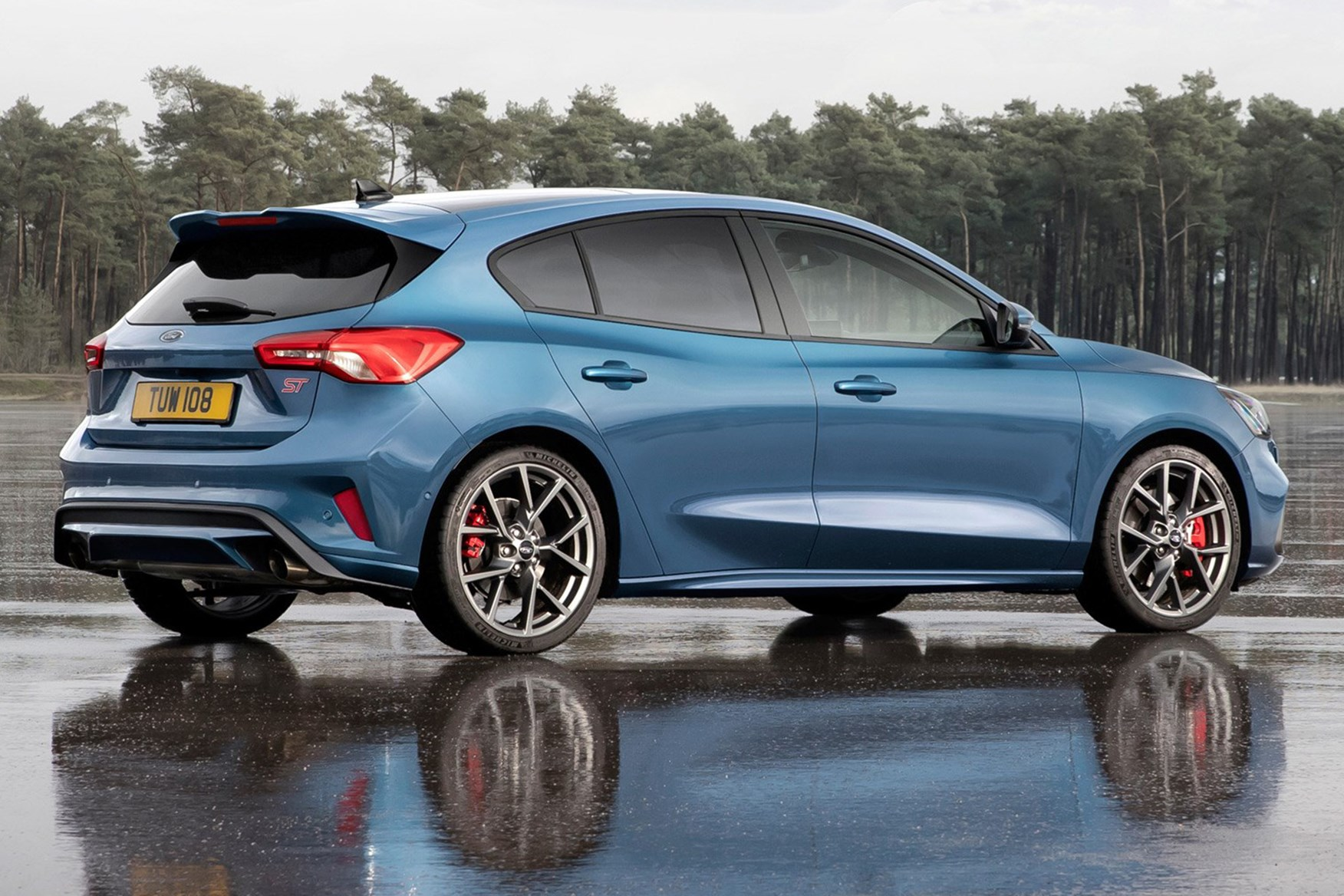 First Details 2019 Ford Focus St Parkers