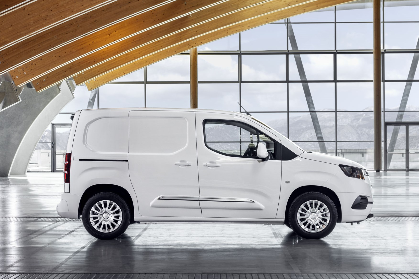 ecc583b076 Toyota Proace City - Toyota s new small van Toyota Proace City - side view