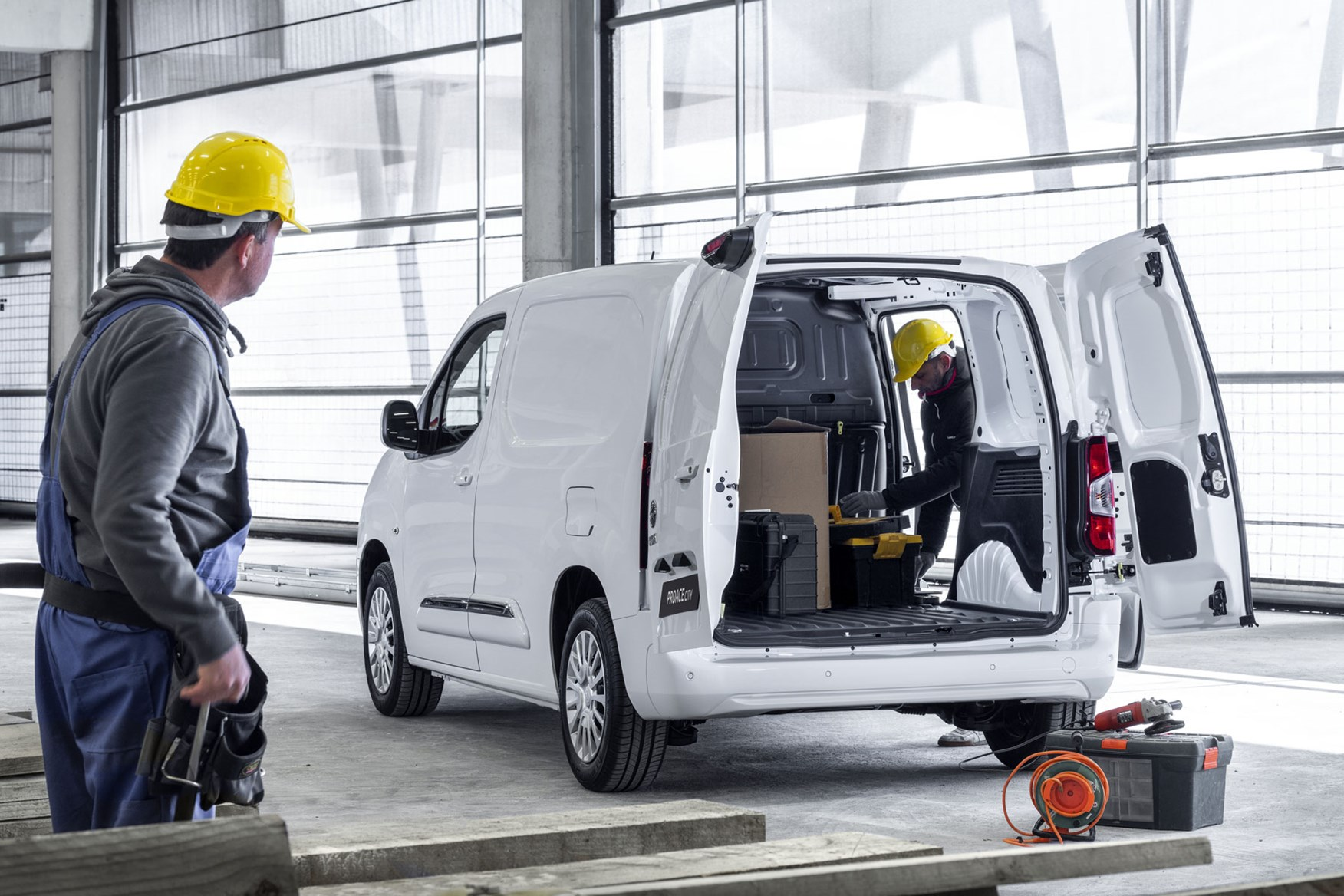 1e25b6684a Toyota Proace City – new small van from the Berlingo