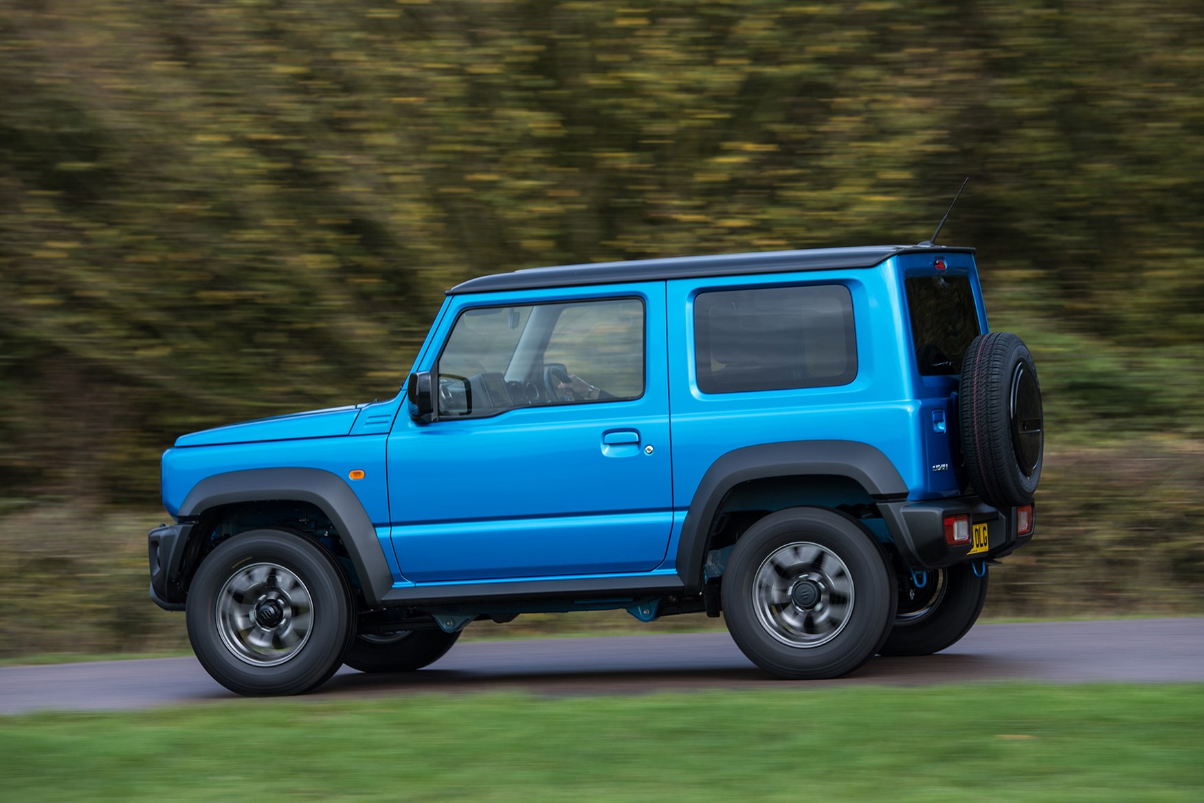 suzuki jimny review parkers. Black Bedroom Furniture Sets. Home Design Ideas
