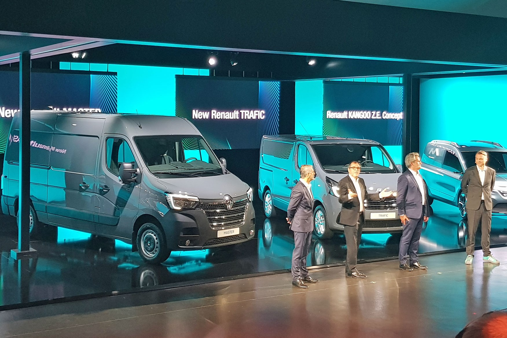 2019 Renault Master Facelift Full Details Of New Look