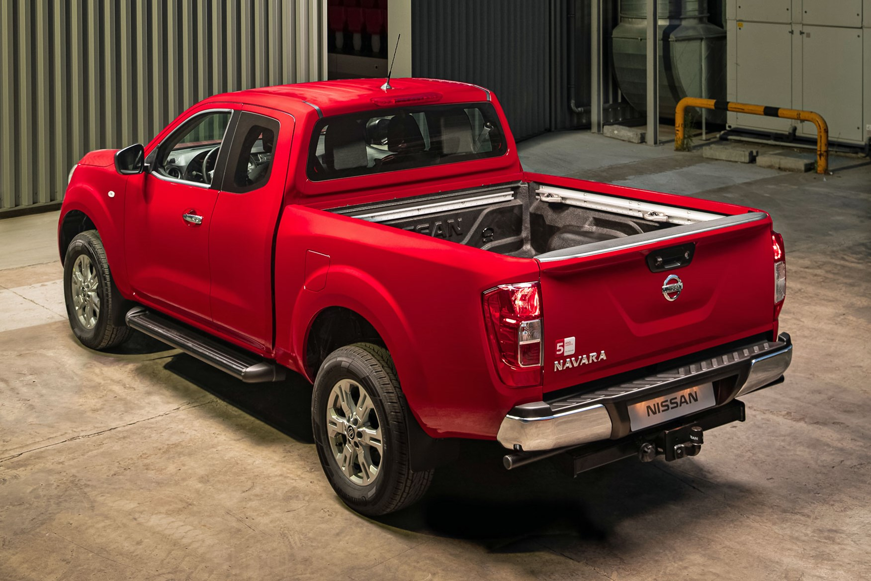 2019 Nissan Navara facelift - more payload, more torque ...