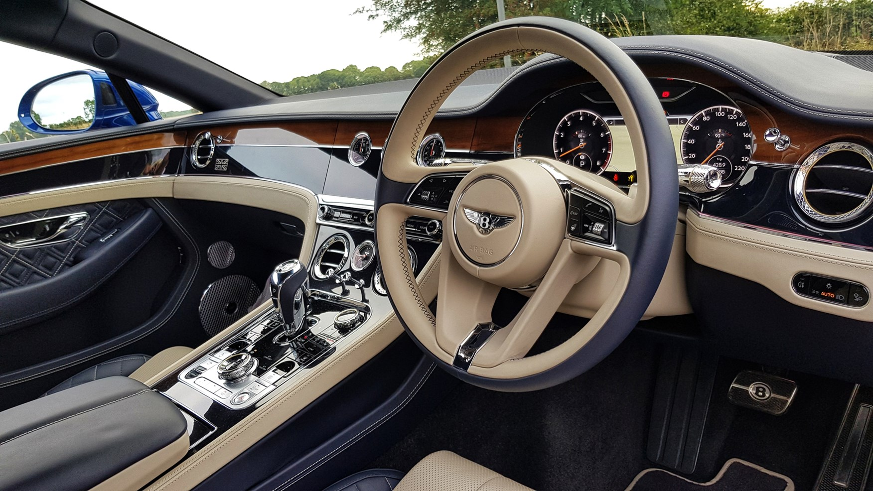 Bentley Continental Gt 2021 Interior Layout Dashboard Infotainment Parkers