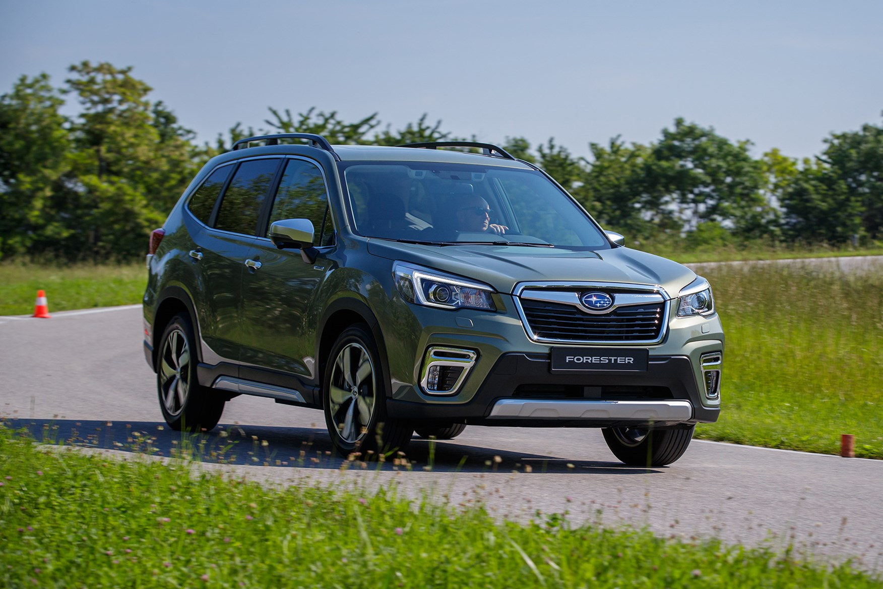 Early drive: Subaru Forester e-Boxer | Parkers