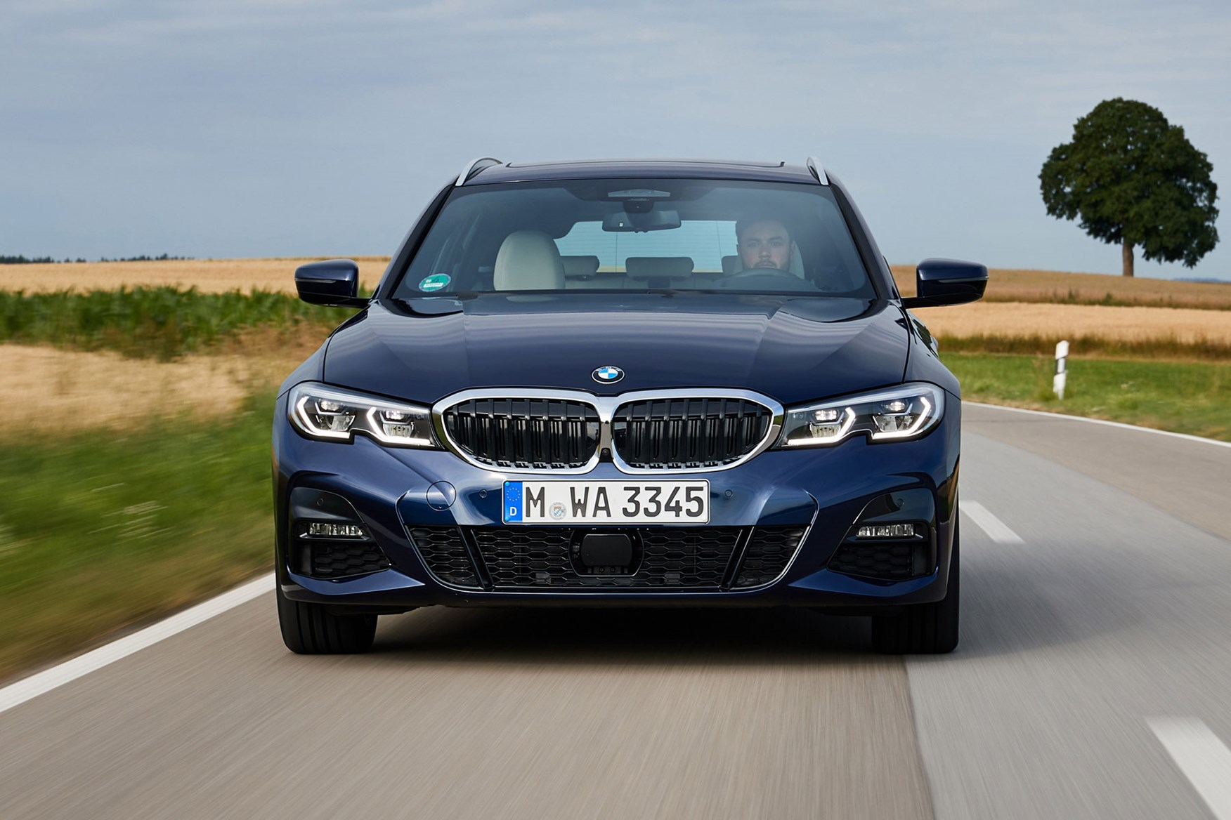 BMW 3-Series Touring Review (2019) | Parkers