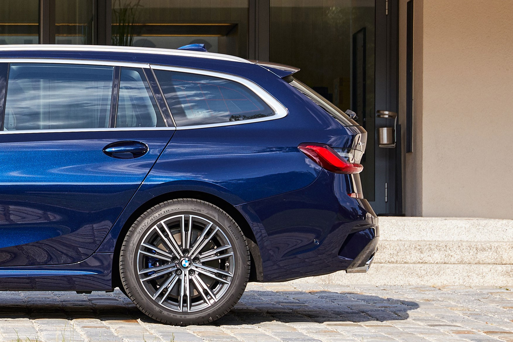 BMW 3-Series Touring (2019) Interior, Dashboard