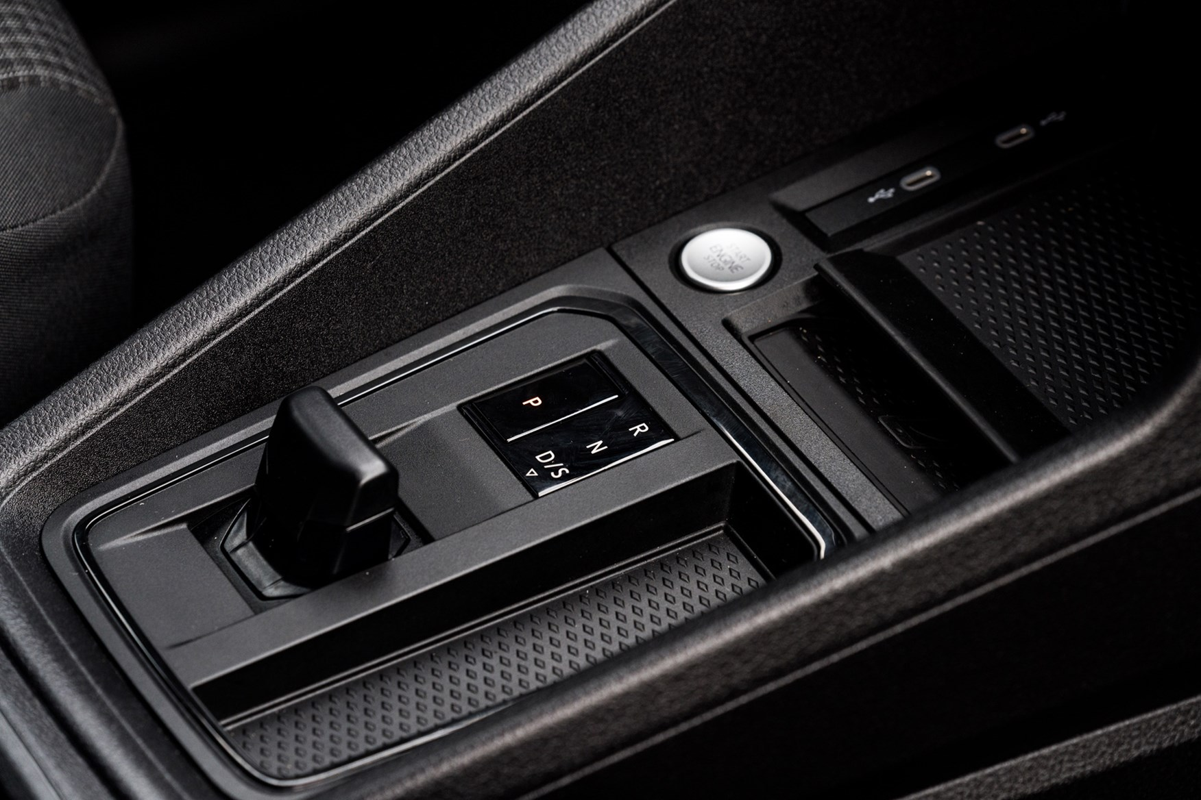 Volkswagen Caddy Cargo review (2021)   Parkers