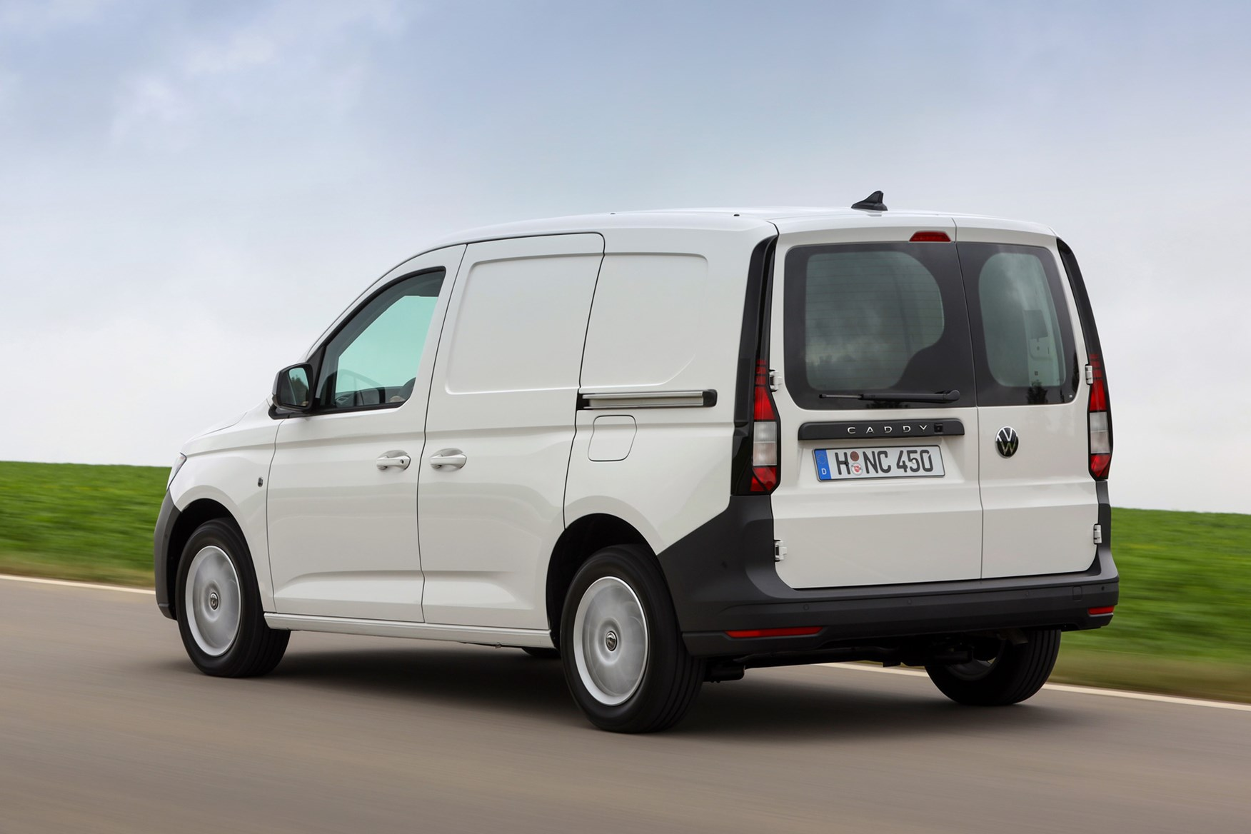Volkswagen Caddy Cargo Van Dimensions 2021 On Capacity Payload Volume Towing Parkers