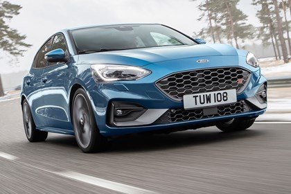 Ford Focus Specs Dimensions Facts Figures Parkers