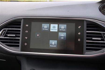 Peugeot 308: Small screen blockbuster | Parkers