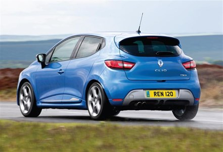 Renault Clio and Captur upgraded with free DAB radio | Parkers