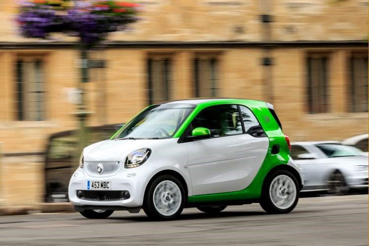 Smart Fortwo electric, driving