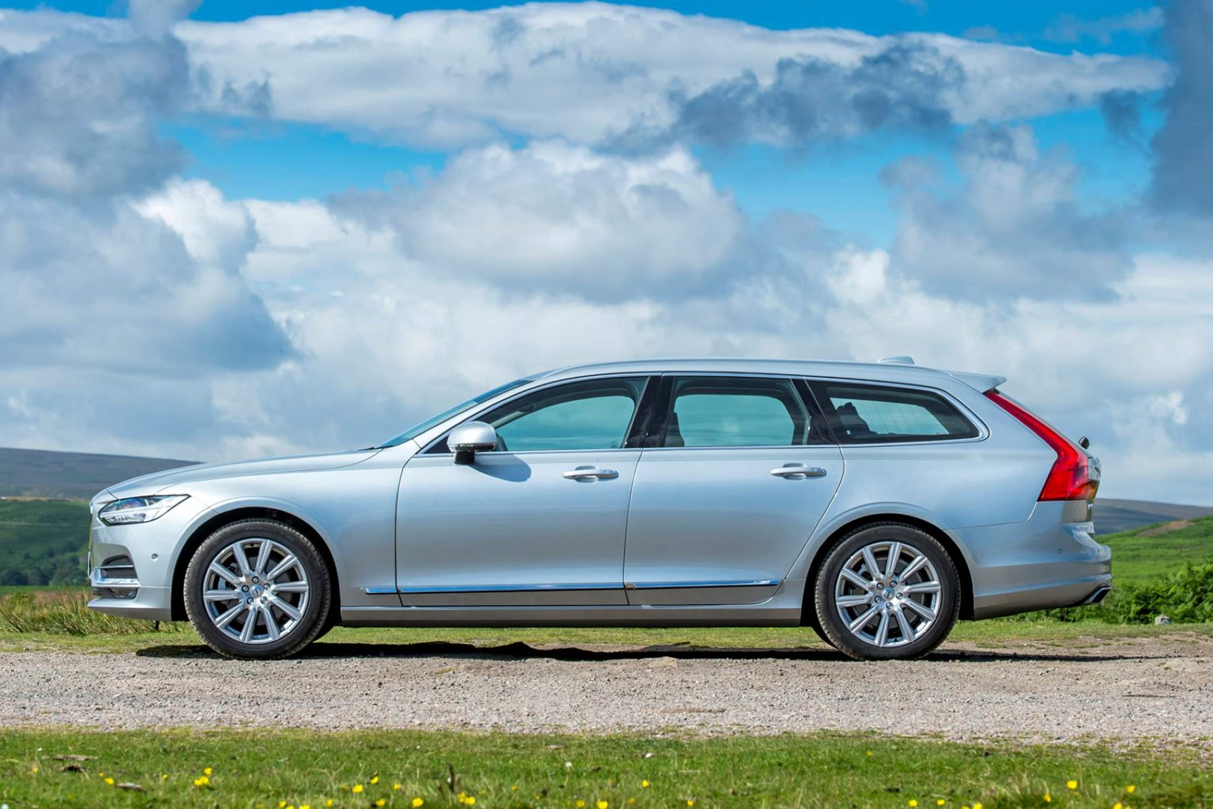 Silver 2016 Volvo V90 side elevation