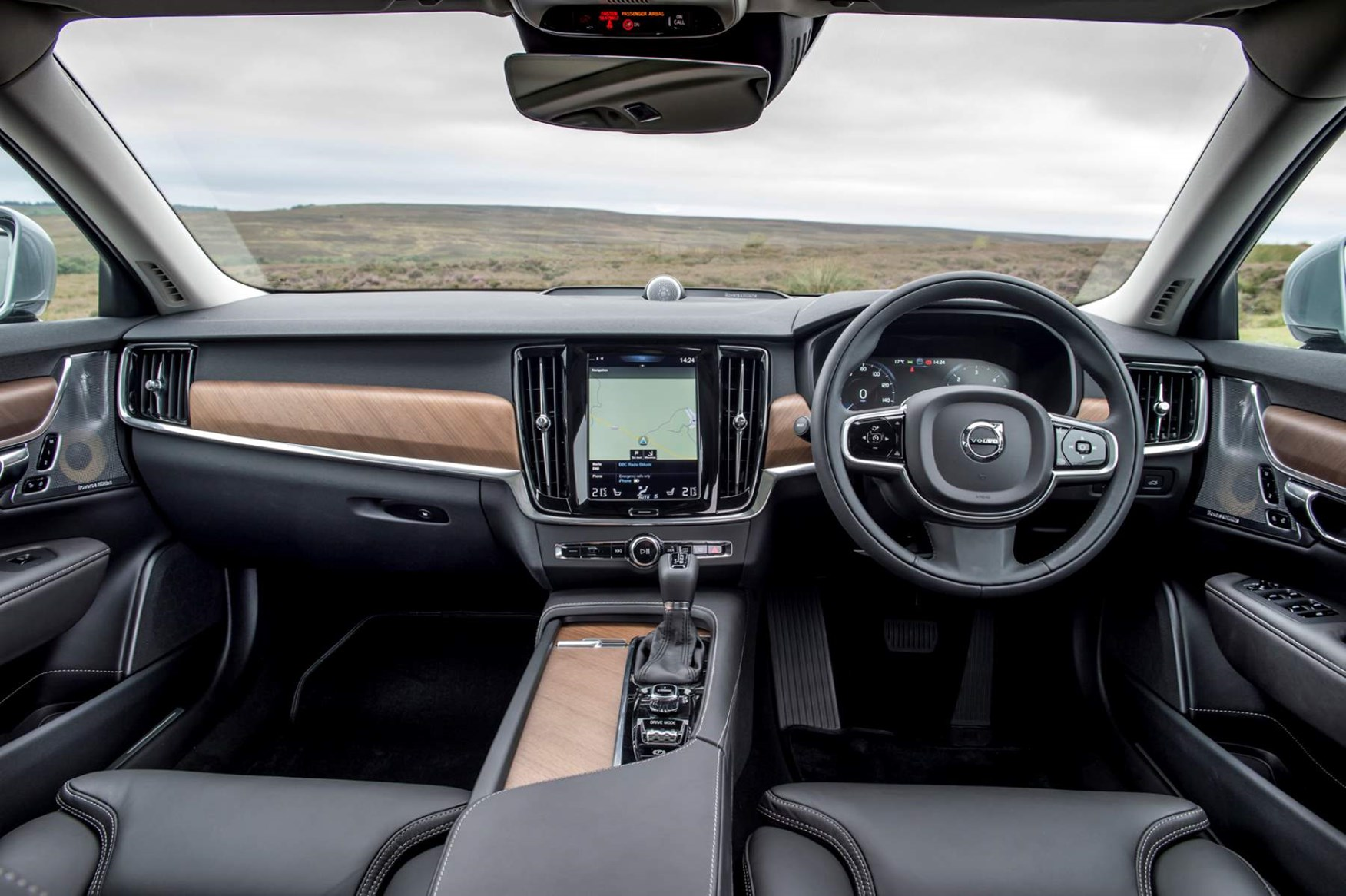 2016 Volvo V90 Inscription dashboard