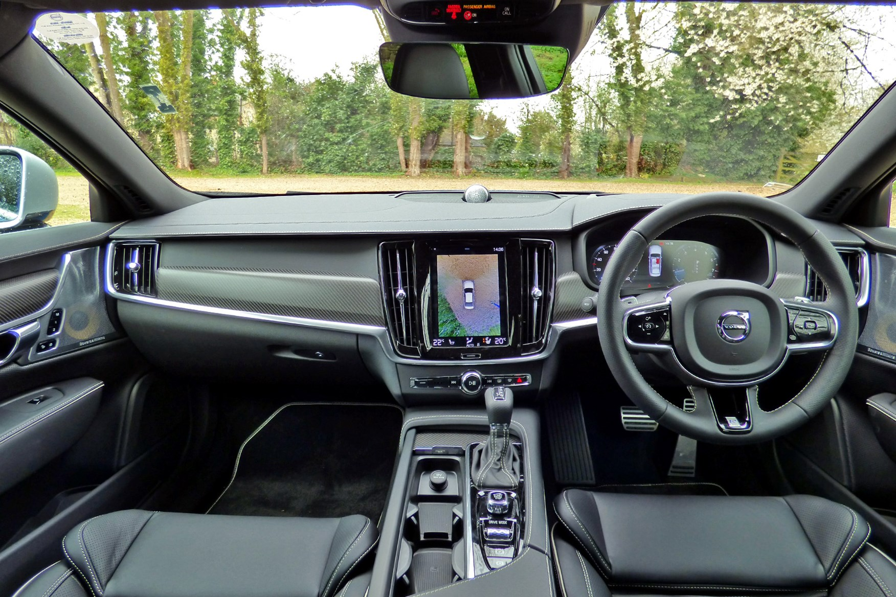 2016 Volvo S90 dashboard