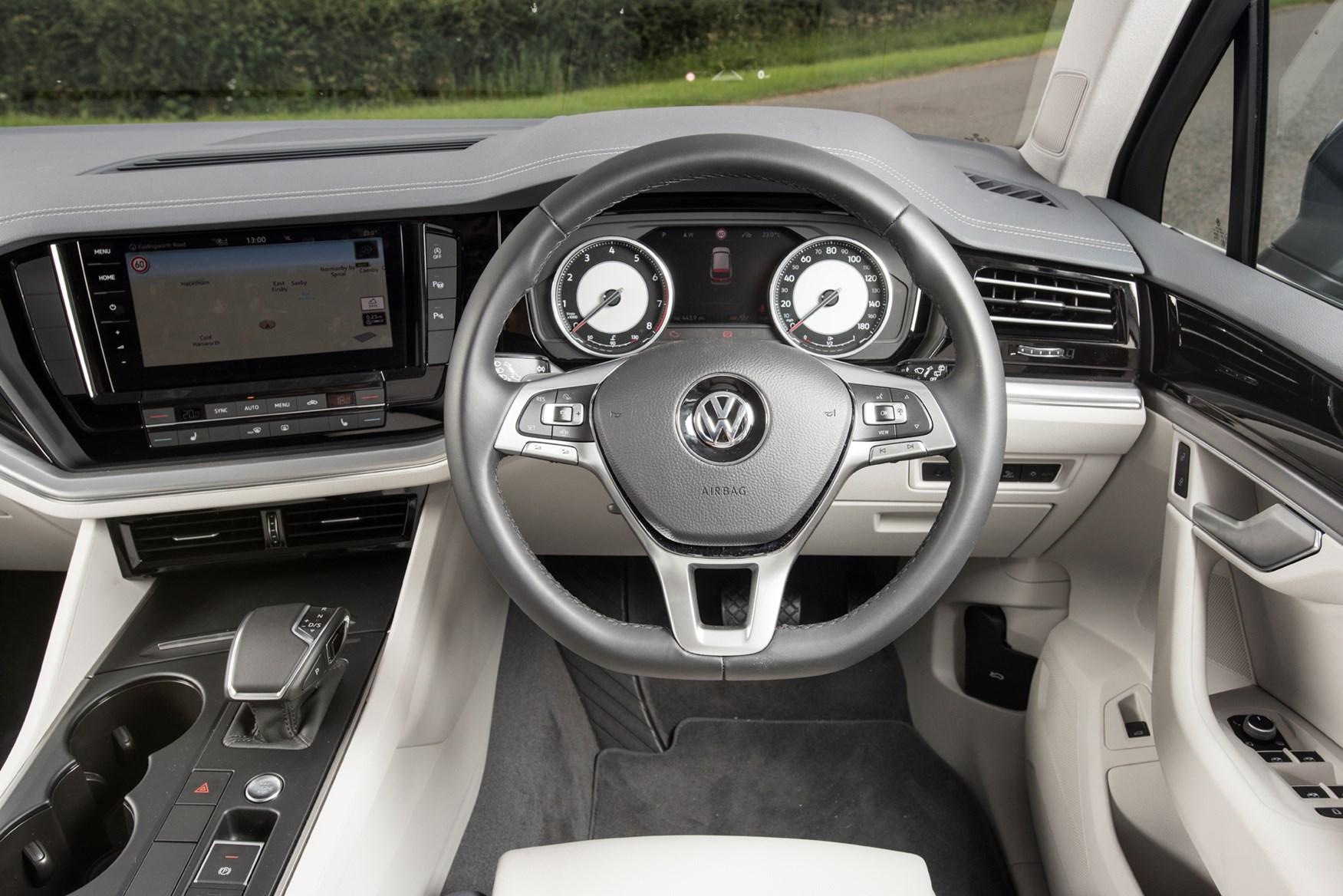 2019 Volkswagen Touareg SUV dashboard without Innovision Cockpit