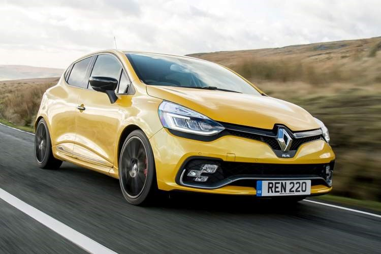 Yellow 2018 Clio Renaultsport 200 front three-quarter driving