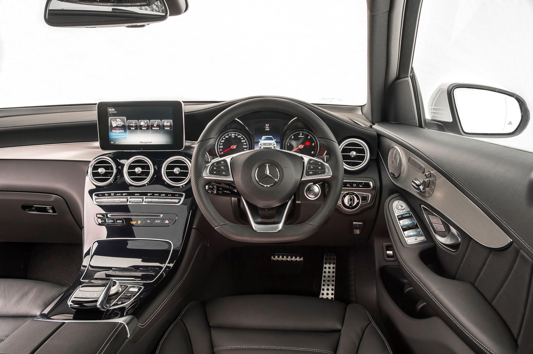 2016 Mercedes-Benz GLC SUV dashboard