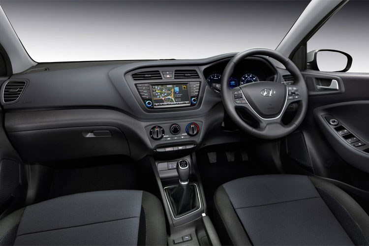 2016 Hyundai i20 dashboard