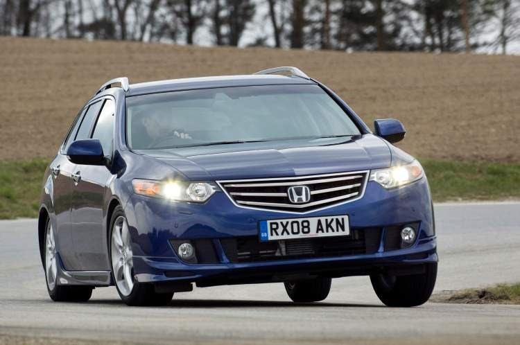 Honda Accord Tourer Mk8 front three-quarter