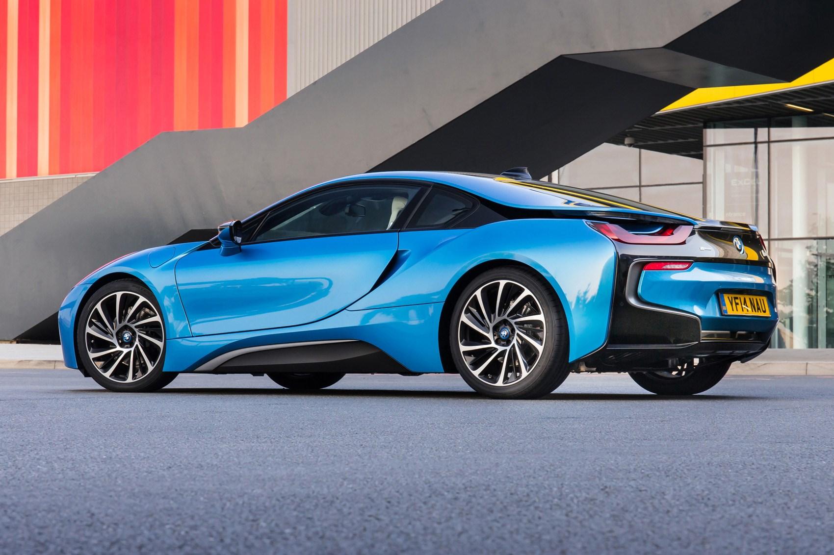 Blue 2014 BMW i8 Coupe rear three-quarter