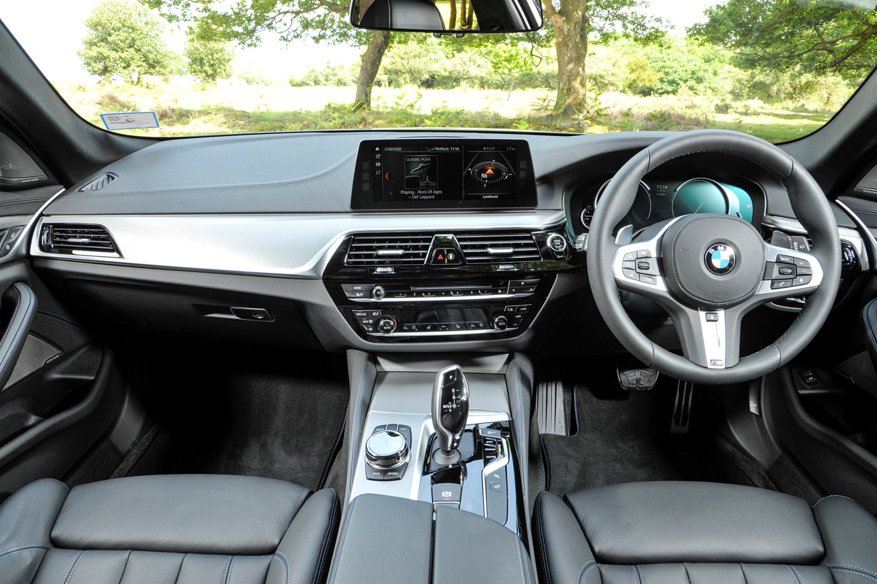 2019 BMW 5 Series dashboard