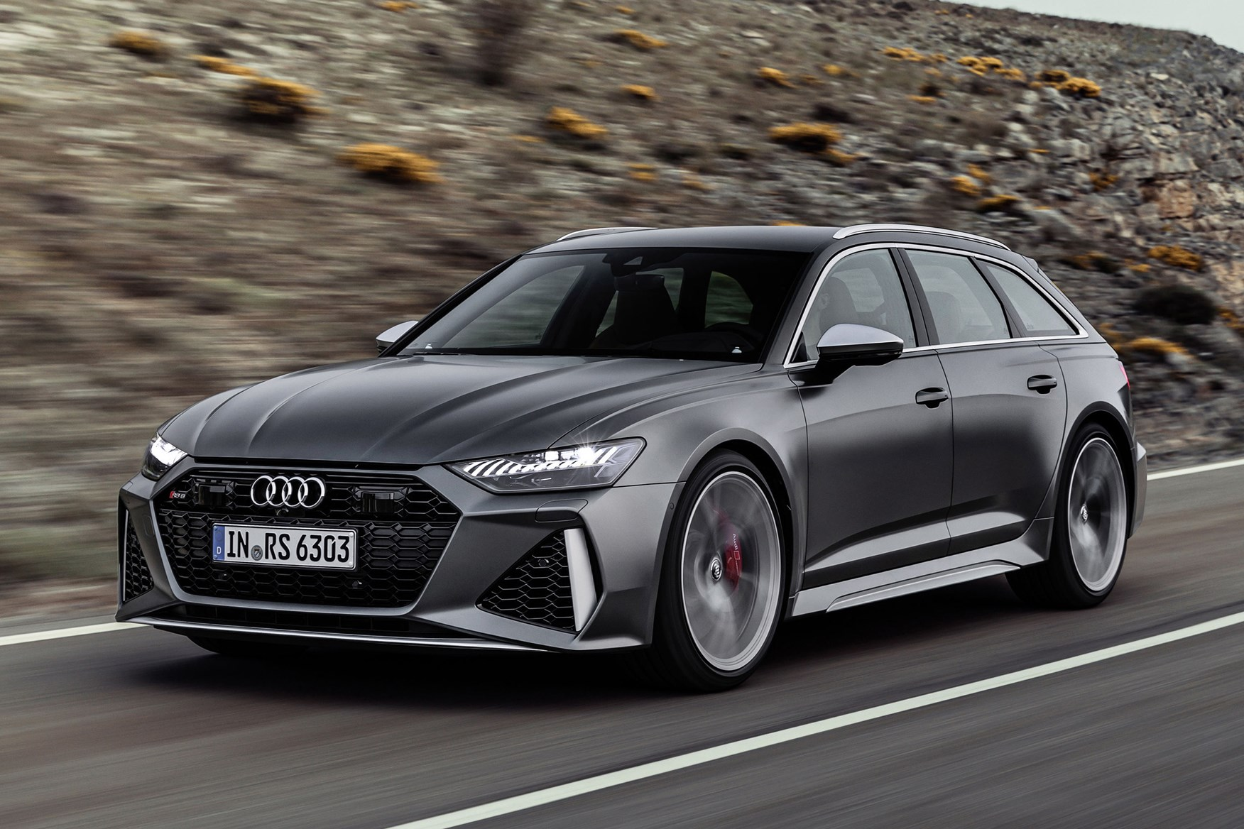 Grey 2020 Audi RS 6 Avant front three-quarter