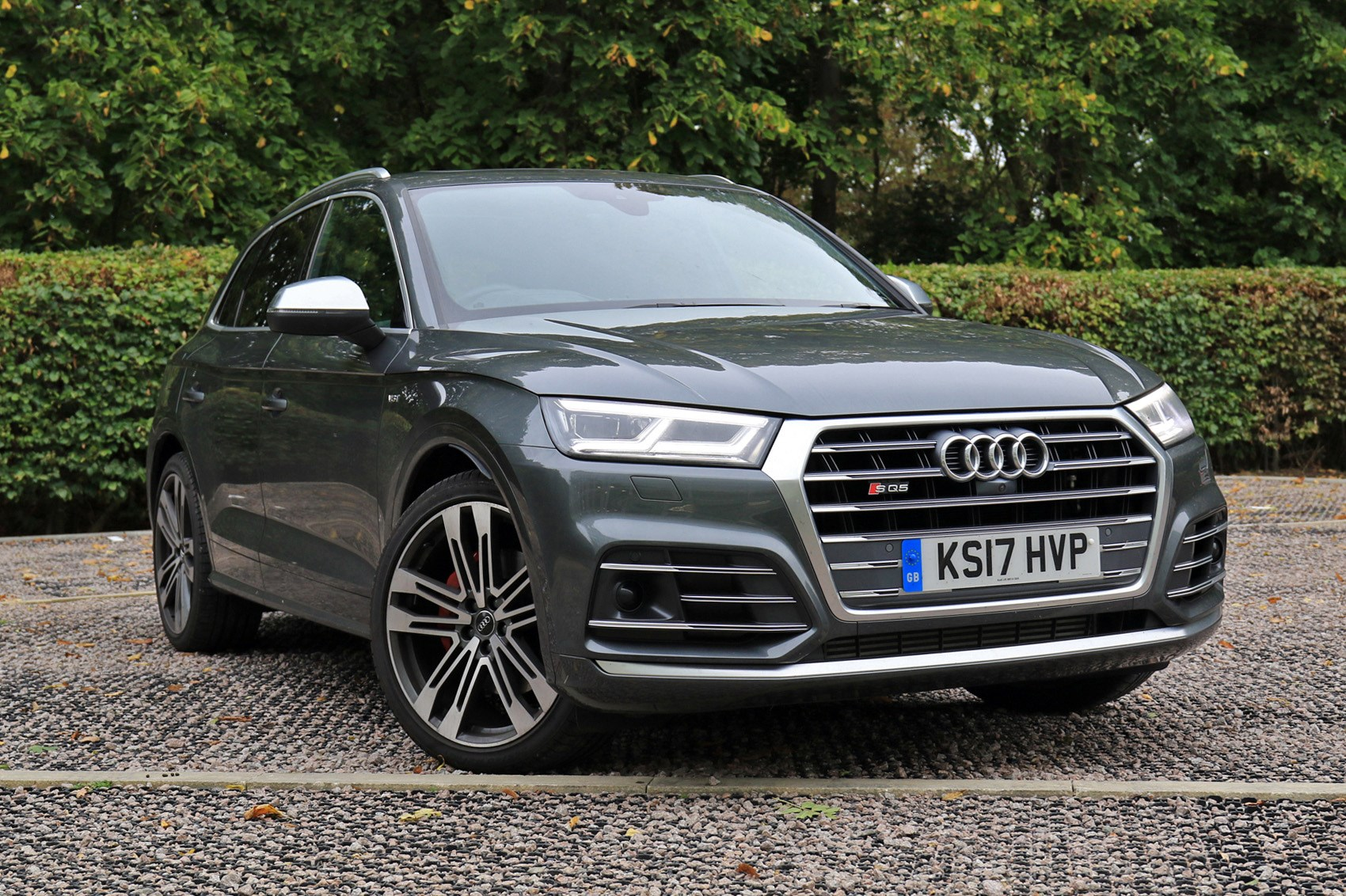 Grey 2017 Audi SQ5 SUV front three-quarter