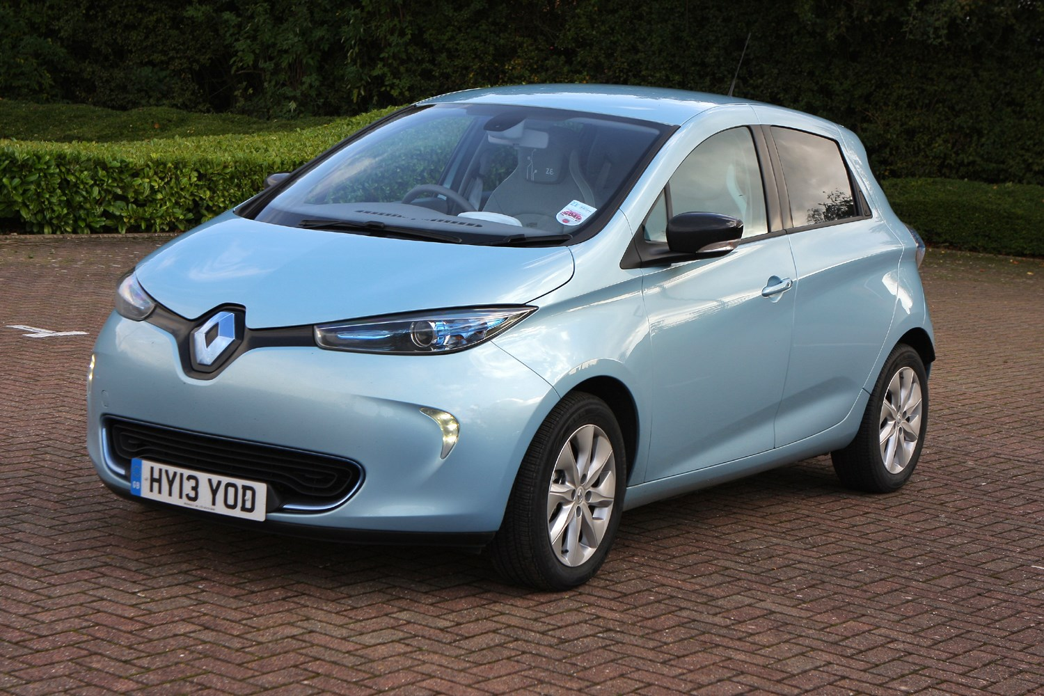 renault zoe hatchback 2012 photos parkers. Black Bedroom Furniture Sets. Home Design Ideas