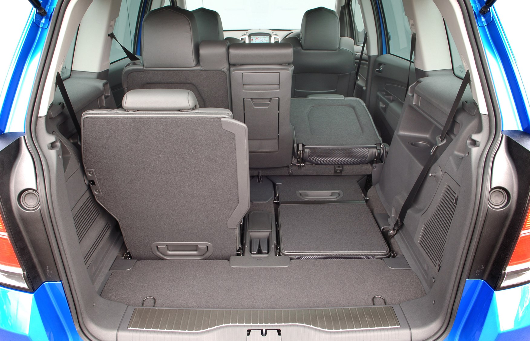 vauxhall zafira vxr 2005 2010 features equipment and. Black Bedroom Furniture Sets. Home Design Ideas