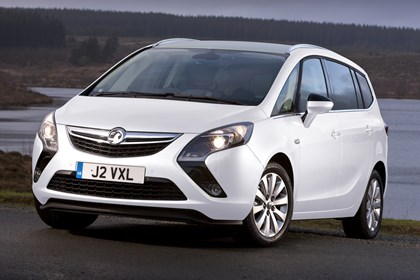 vauxhall zafira specs dimensions facts figures parkers. Black Bedroom Furniture Sets. Home Design Ideas