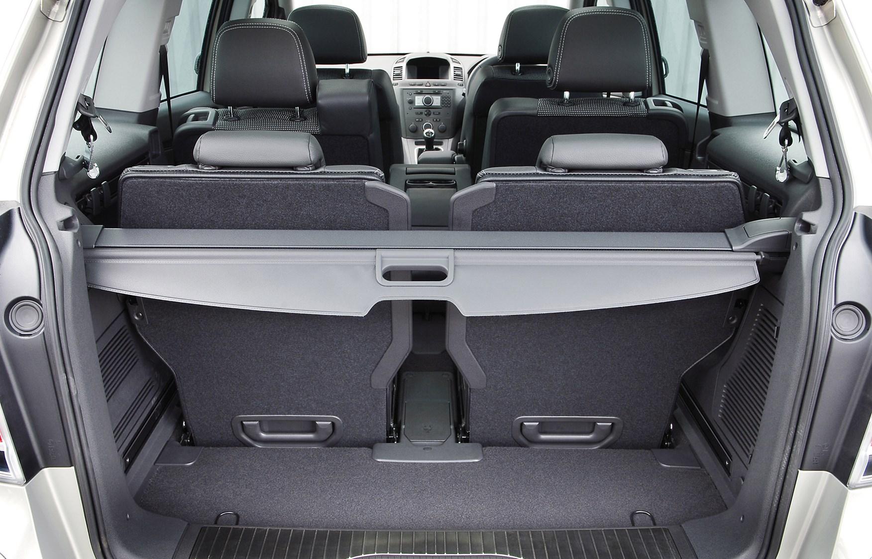 Opel zafira boot space